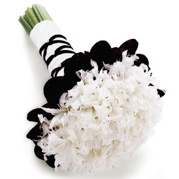 flowers-for-a-black-and-white-themed-wedding | Simply Couture Weddings